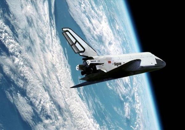 苏联暴风雪号航天飞机发射时最大可携带30吨载荷,返回地面时