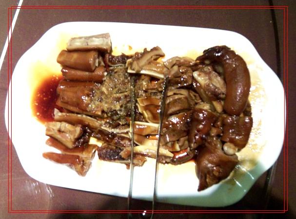 五谷杂粮炒饭.有小米、高粱、豌豆等等,味道不错哦~   颜色不错.