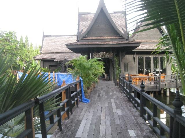 极富特色的泰式建筑,里面是喝黑啤酒的地方图片