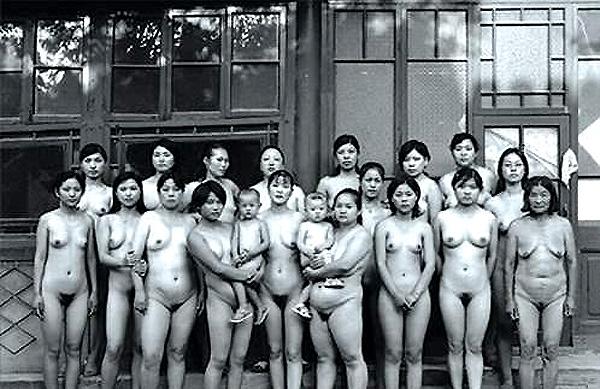 国内罕见的集体女性裸体照片