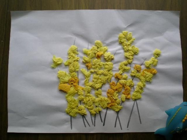 手工作品(皱纹纸做的迎春花)