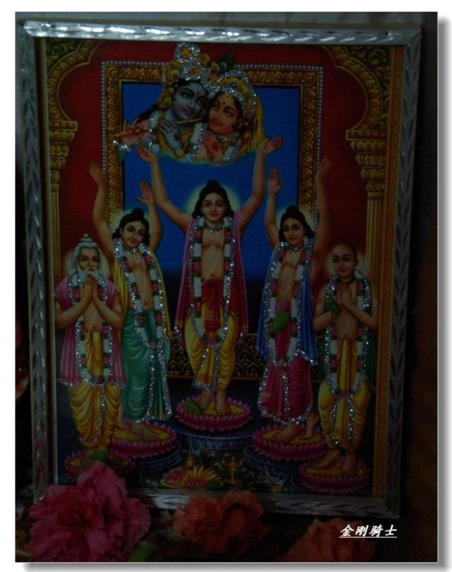 这是印度教的爱神,类似希腊神话中的丘比特高清图片