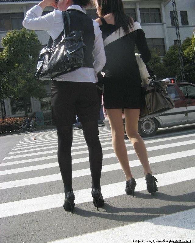 实拍:极品丝袜美女!