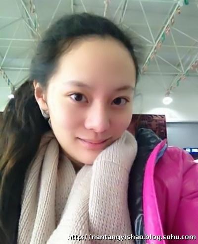 宋佳22岁校花女儿私房自拍美照曝光(组图)